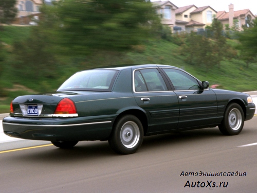Ford Crown Victoria (1998 - 2007) фото сбоку