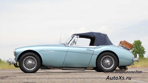 Austin-Healey 3000 MkIII BJ8 (1964 - 1967): фото сбоку
