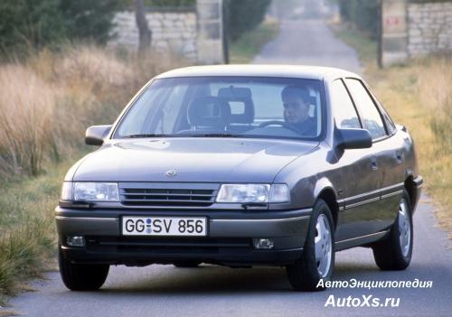 Opel Vectra A Sedan (1988 - 1992): фото спереди