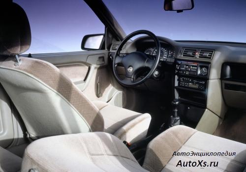 Opel Vectra A Sedan (1988 - 1992): фото торпедо и интерьер